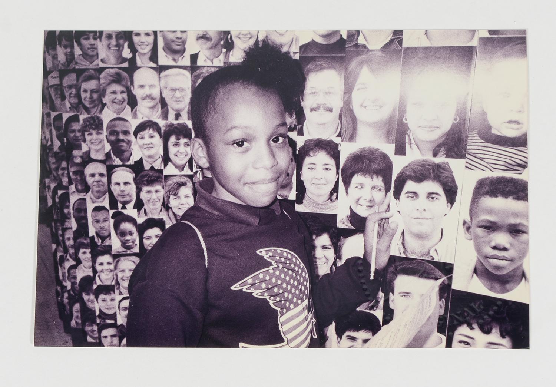 Girl at Wall of Faces_NY_Portraits_353